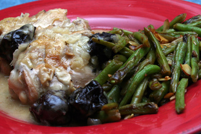 Braised Chicken w/Dried Plums and Green Beans