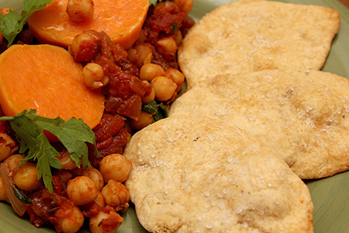 Chickpeas, Spinach, Sweet Potato; Crackers